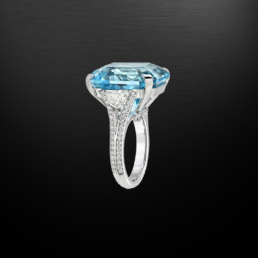 Brazilian Aquamarine Emerald Cut Diamond Platinum Ring 20.37 Carat